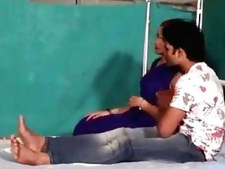 Hindi Lady Medic Shruti Bhabhi Romance With Patient Boy In Blue Saree Hot Scene