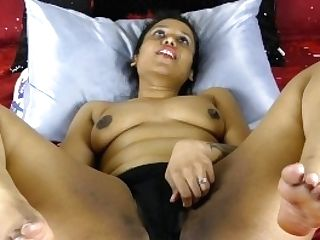 Indian With Big Booty Pushing Faux-cock In Her Slit