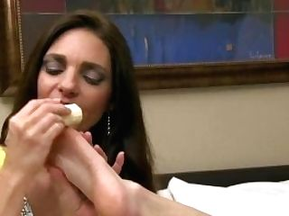 India Summer & Mindi Mink Foot Service With A Banana